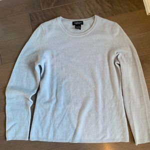 Amazing! 100% Lord & Taylor Cashmere Sweater